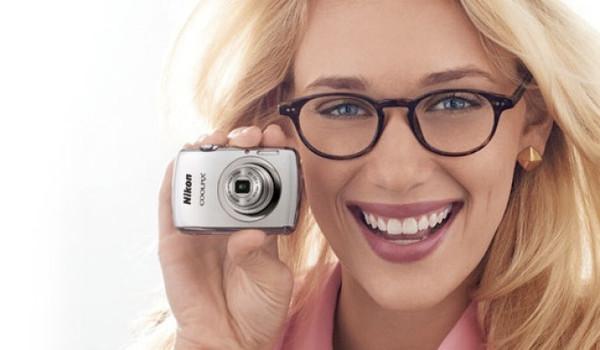 Nikon presenta a la muy compacta Coolpix S01 - nikon-coolpix-s01
