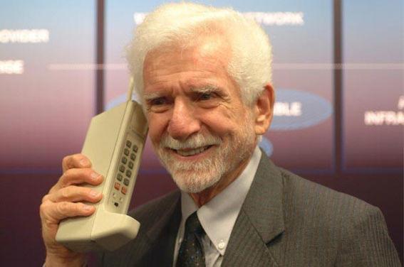 Breve historia de Martin Cooper, el hombre que inventó el primer celular - martin-cooper-inventor-celular