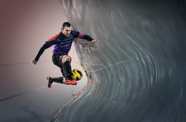 """Nike presenta la tecnología """"All Conditions Control"""" para todos sus zapatos de futbol - Ho12_FB_4silo_ACC_Rooney_f1"""