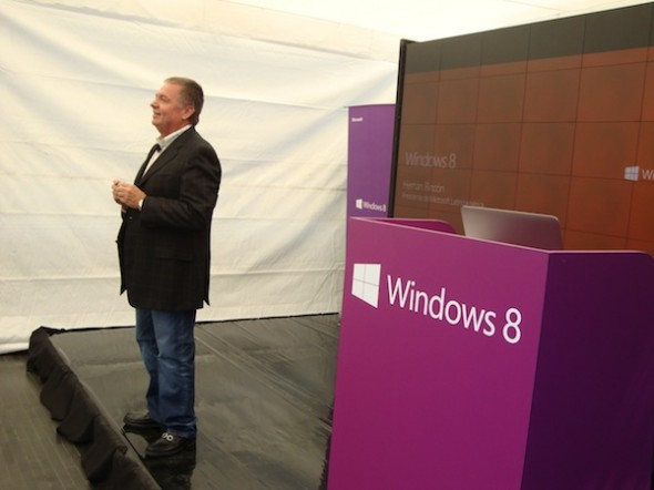 Microsoft lanza Windows 8 en América Latina - Windows-8-evento-590x442