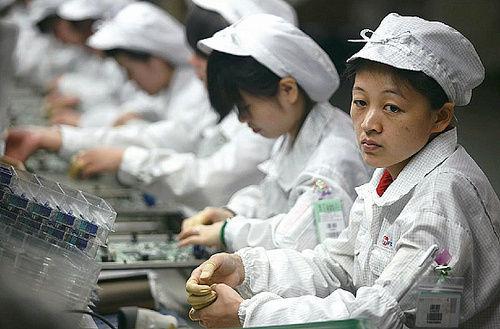 Foxconn admitió emplear menores de 16 años en sus fábricas - foxconn-menores-de-edad