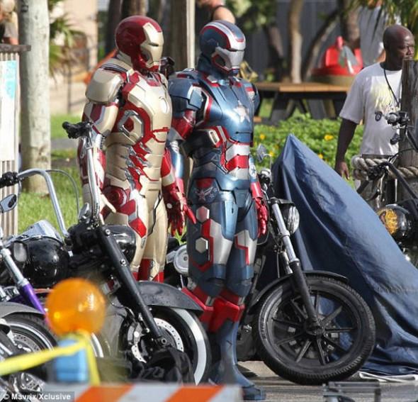 ironman1 590x567 Se filtran mas fotos de la nueva armadura de Iron Man 3 y Iron Patriot