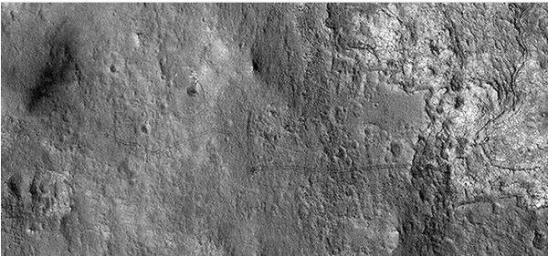 NASA revela fotografía de las huellas del recorrido de Curiosity en Marte - huellas-de-curiosity-en-marte