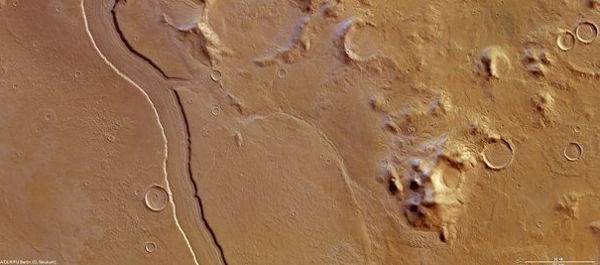 La Agencia Espacial Europea capta imagen de lo que pudo ser un río en Marte - imagen-rio-marte-2