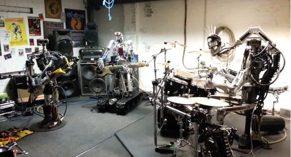 """Video de una banda de robots interpretando """"Ace of Spades"""" de Motorhead se vuelve viral en Youtube - video-de-banda-de-robots"""