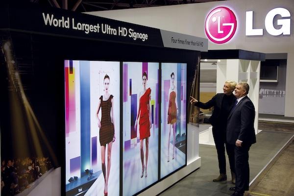 LG coloca la primera pantalla UltraHD de 84 pulgadas de uso comercial en el Aeropuerto de Las Vegas - 84-Ultra-HD-Sinage