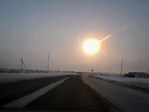 Cae meteorito en Rusia dejando cerca de 1000 heridos - cae-meteorito-en-rusia