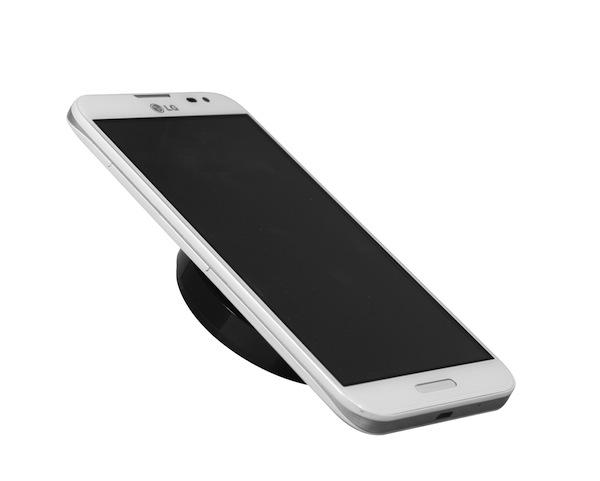 LG presentó el cargador inalámbrico por inducción más pequeño del mundo - wireless_charger3