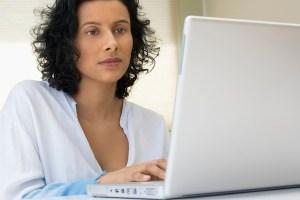 5 consejos de seguridad para las mujeres que navegan en Internet