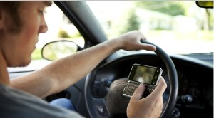 El celular mata más jóvenes en Estados Unidos que conducir alcoholizado, según estudio