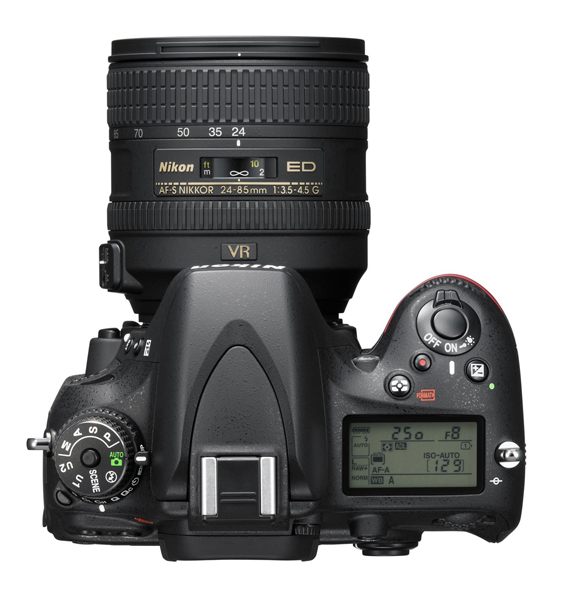 Nikon D610 24 85 top A Nikon presenta la nueva cámara Full Frame DSLR Nikon D610