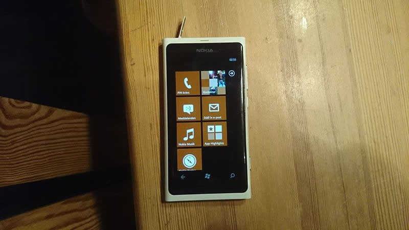 nokia lumia lago funcionando Nokia Lumia 800 pasa más de 3 meses en un lago y aún funciona