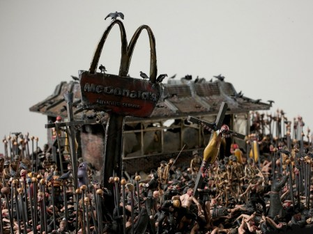 ¿Cómo sería un McDonalds en el Infierno? – Imágenes