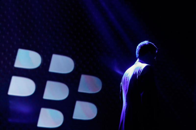 Acciones de BlackBerry suben mas de 6% en la bolsa gracias a la venta de WhatsApp - blackberry-acciones-800x532