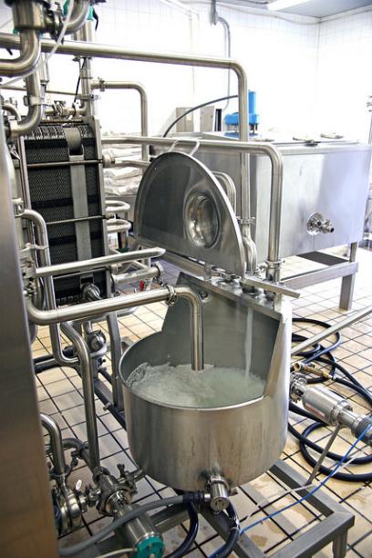 Desarrollan un biosensor en Conacyt que determina si la leche está descompuesta - leche-01