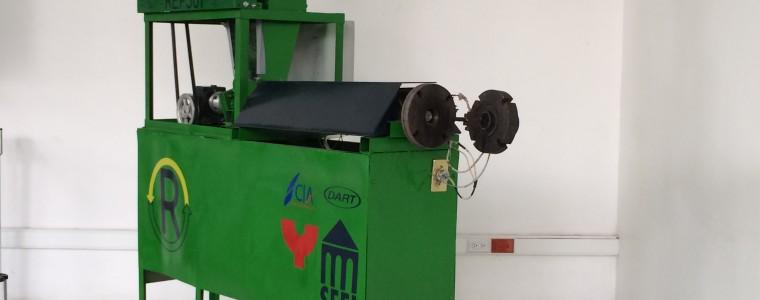 Alumnos de la UNAM inventan máquina para reciclar el unicel - reps-01-unam