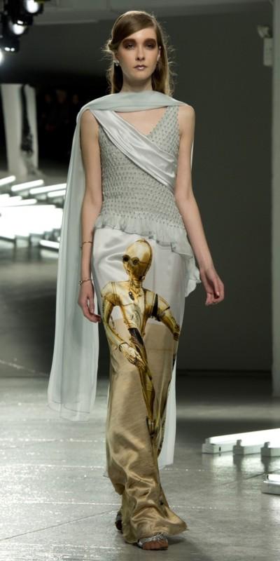 Vestidos de Star Wars hacen presencia en el New York Fashion Week - star-wars-fashion-week-2-400x800