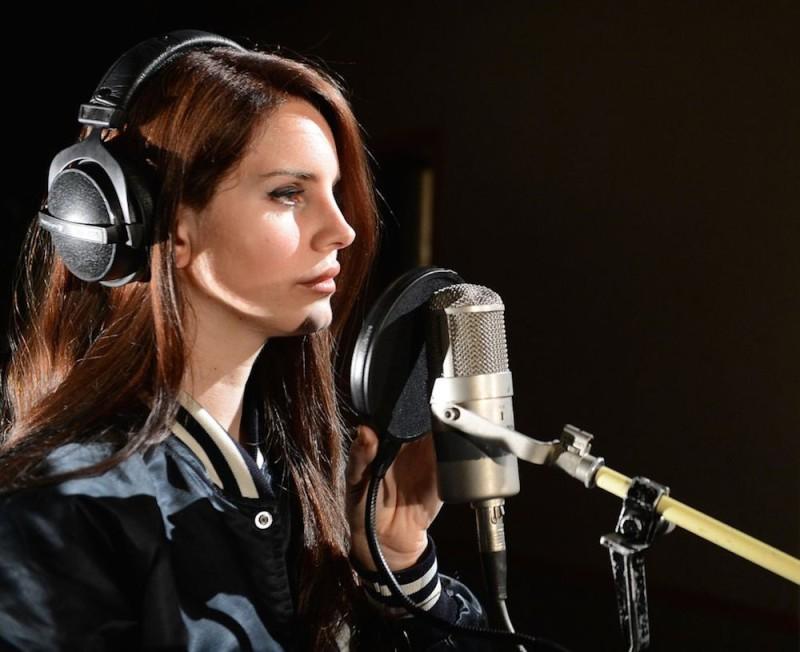 5 álbumes de música que no te puedes perder este 2014 - Lana_Del_Rey_live_lounge_2012-800x652