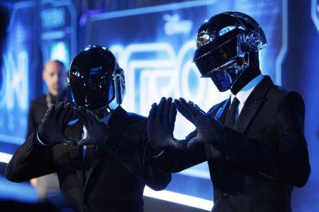Daft Punk y Jay Z unen fuerzas en nuevo tema llamado «Computerized»