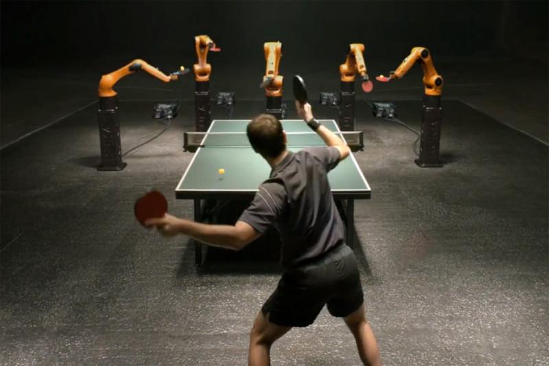 Campeón de ping pong se enfrenta a la máquina más rápida del mundo - hombre-vs-maquina-800x533