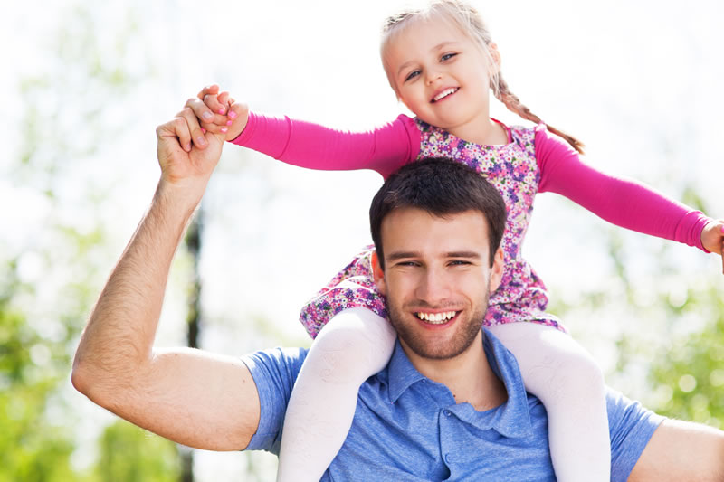 20 cosas que un papá debería hacer con sus hijas ¡Imperdible! - papa-con-su-hija