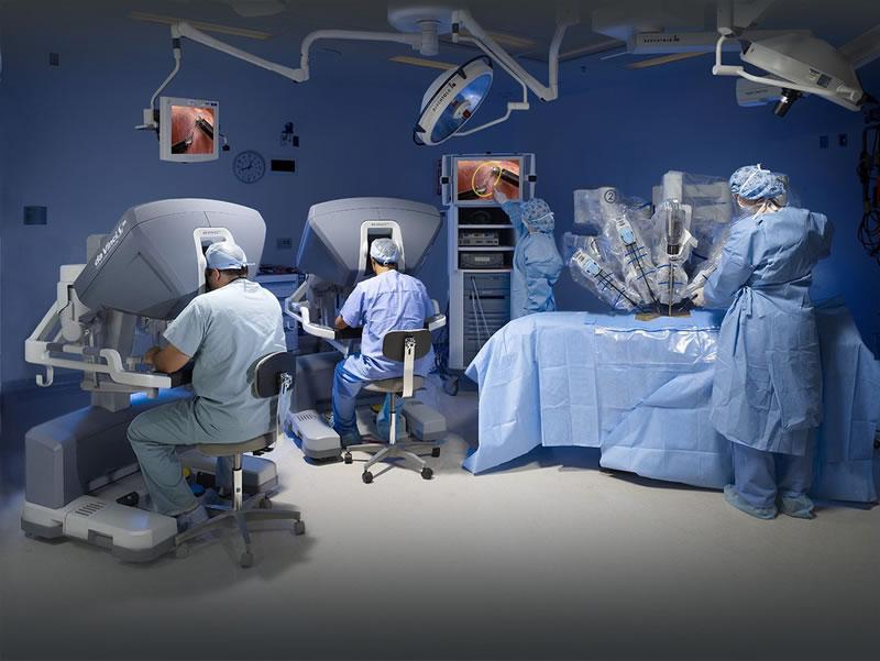 Cirugía robótica, el nuevo aliado contra el cáncer de próstata - robot-da-Vinci-SiHD