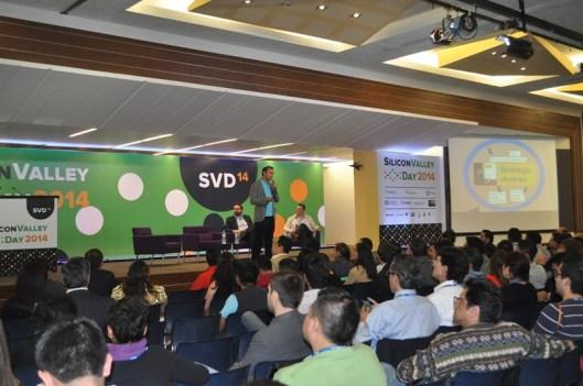 Así se vivió el primer Silicon Valley Day en México - Adam-Somlai-Fischer-Prezi1