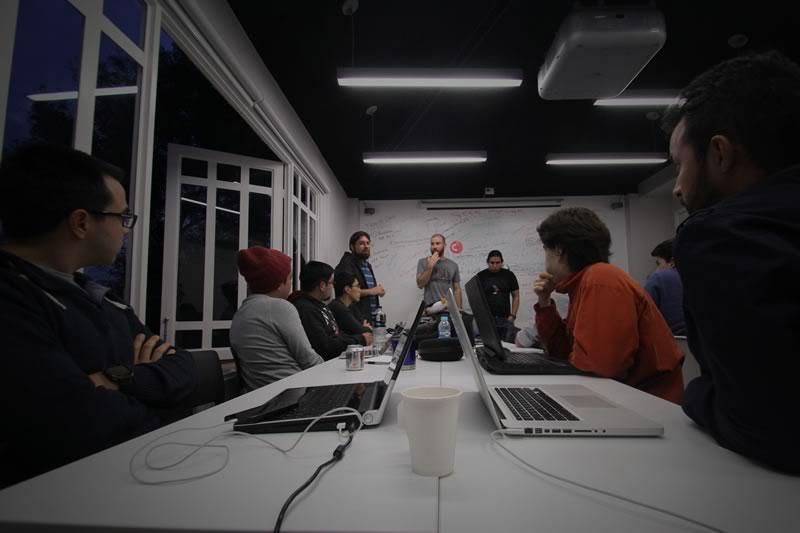 Dev.F, la primera escuela de hackers en México lanza dos nuevos cursos - Cursos-Devf