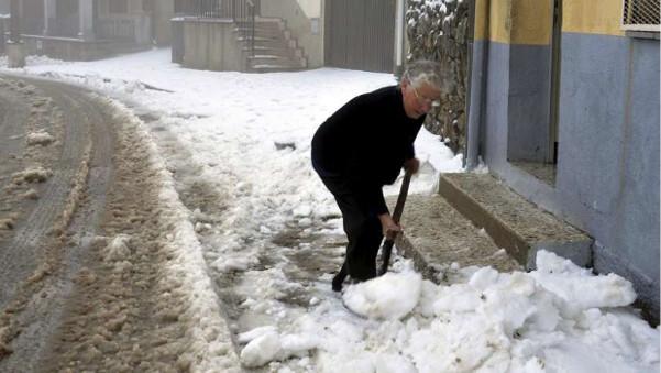 ¿Por qué la nieve se derrite con la sal? - sal-derrite-nieve