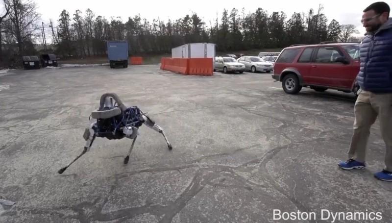 Pequeño perro robot de Google que logra mantener el equilibrio. - perro-google-800x455