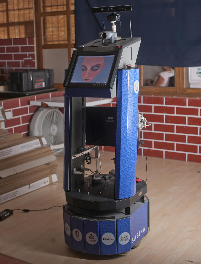 Conoce a Sabina, la robot mexicana que realiza tareas domésticas - Sabina-robot-mexicano