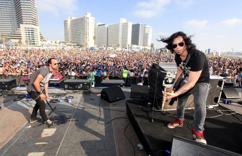 Skazi, el dúo israelí de música electrónica estará en México - Skazi-on-main-stage1-800x516