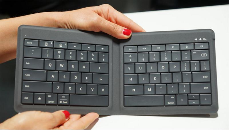 Microsoft lanza teclado plegable ultra portátil para móviles en el MWC - Universal-Foldable-Keyboard