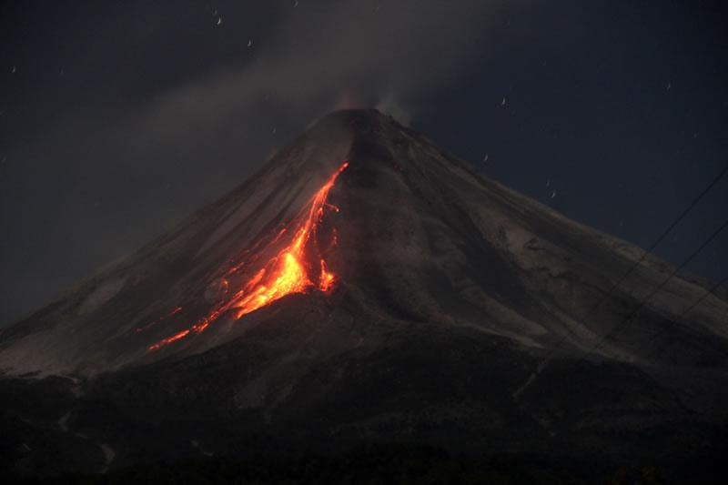 ¿Está próxima una gran erupción del volcán de Colima? - Volcan-de-Colima