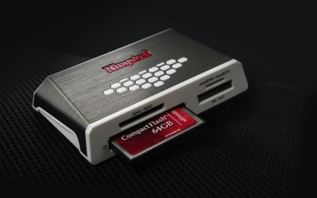 Kingston lanza lector de tarjetas de alta velocidad y una CompactFlash de 64GB