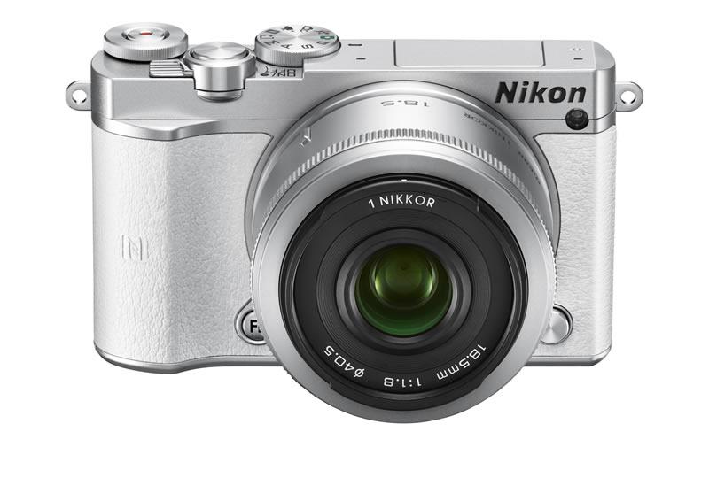 NIKON 1 J5, nueva cámara compacta de Nikon con lentes intercambiables - Nikon-1-J5-Frente