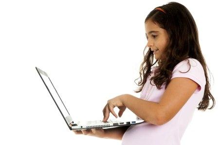 El uso del internet por los niños este regreso a clases representa desafíos a padres y maestros ¡Conócelos!