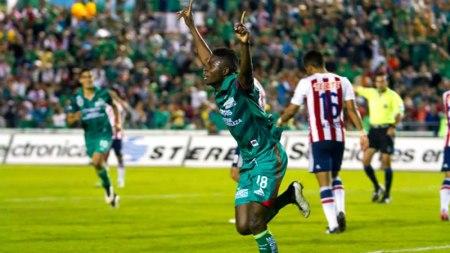 ¿A qué hora juega Chivas vs Jaguares en el Apertura 2015 y en qué canal?