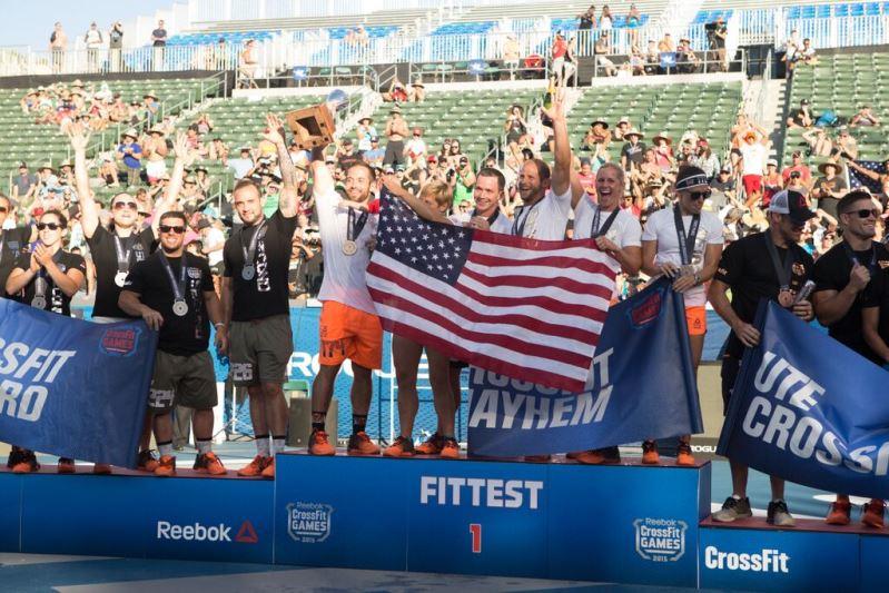 Reebok CrossFit Games 2015 ya tienen nuevos campeones - Rich-Fronning-y-su-equipo-CrossFit-Mayhem-Freedom-Reebok-Crossfit-Games-2015