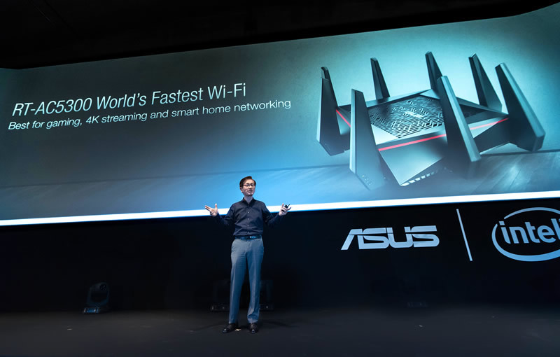RT-AC5300, el router WiFi más rápido del mundo es presentado en IFA 2015 - ASUS-router-wifi-mas-rapido-RT-AC5300-in-Berlin-800x510