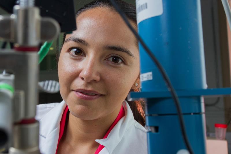 Mexicana crea dispositivo que detecta el virus del papiloma humano de manera inmediata - Marlen-Hernandez-Ortiz-Detecta-virus-de-papiloma-humano-de-manera-inmediata