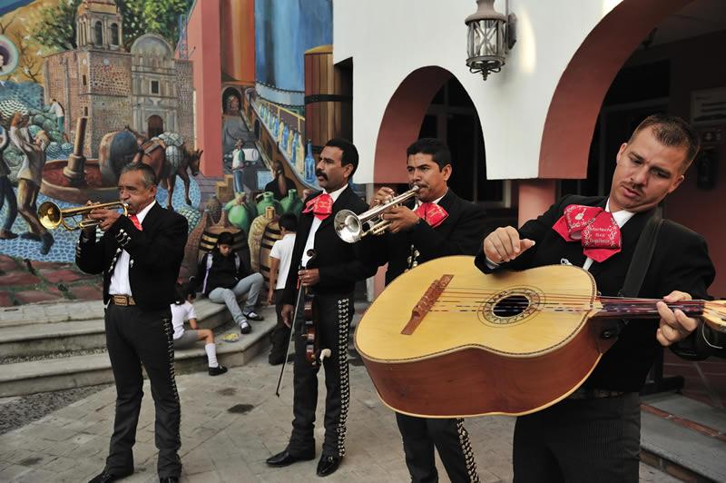 La playlist con Música Mexicana definitiva para amenizar tu noche - Playlist-de-musica-mexicana