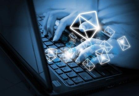 Recordando la llegada del email a México