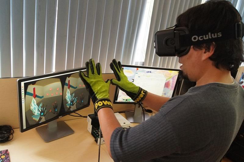 Crean guante que permite sentir frío y calor en las apps de realidad virtual - guantes-realidad-virtual