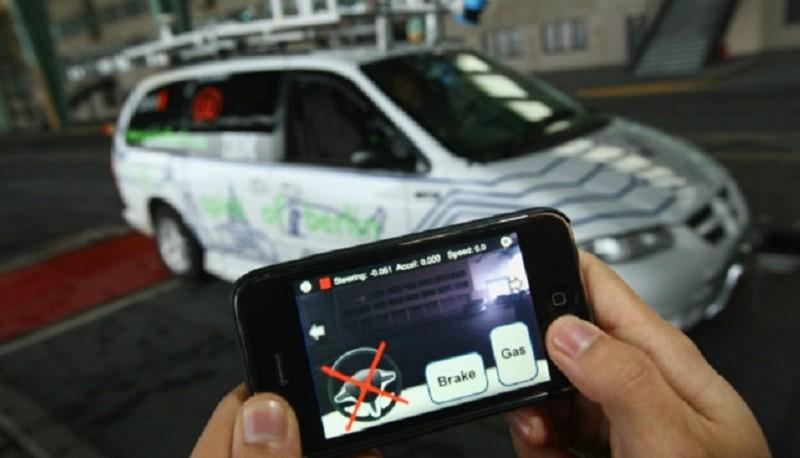 Españoles desarrollarán control vehicular por smartphone - smartphone-control-car-800x458