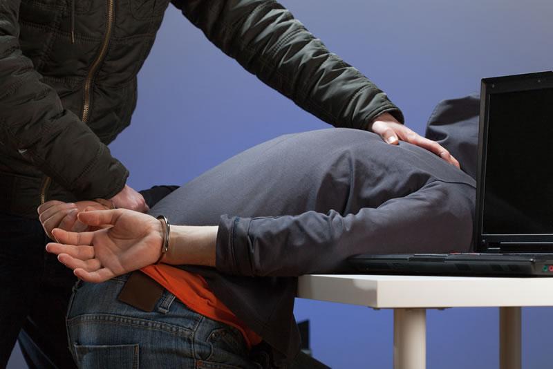 La Agencia Nacional contra el Crimen y Trend Micro colaboran en el arresto de cibercriminales - arrestan-hackers-nca