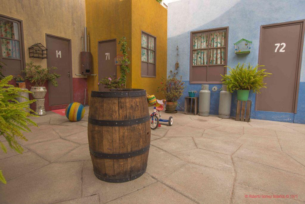 Convierten Vecindad del Chavo del 8 en alojamiento por una noche - convierten-vecindad-del-chavo-del-8-en-alojamiento-por-una-noche