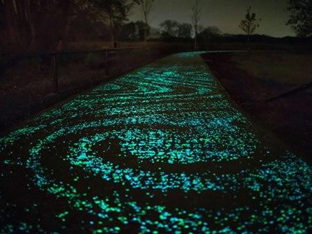 Buscan iluminar carreteras con cemento emisor de luz
