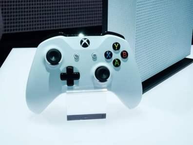 E3: Microsoft presenta una Xbox One más pequeña y potente - xbox-one-s-controller_q3zy-640