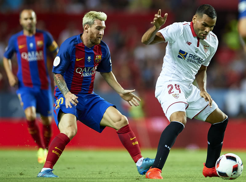 SEVILLE, SPAIN - NOVEMBER 06: Lionel Messi of FC Barcelona looks on during  the match between Sevilla FC vs FC Barcelona as part of La Liga at Ramon  Sanchez ...